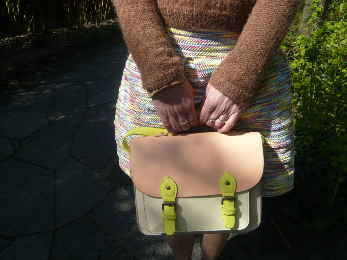 Une nouvelle jupe et gambettes au soleil