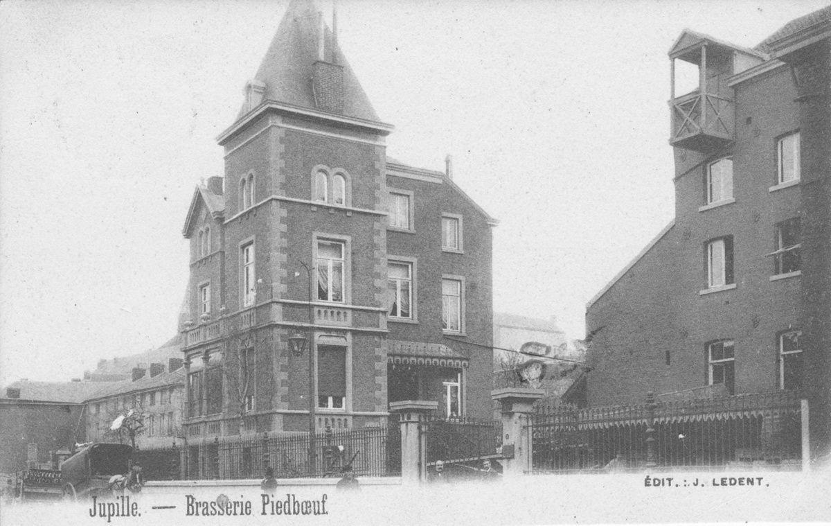 le même château au début du 20ième siècle