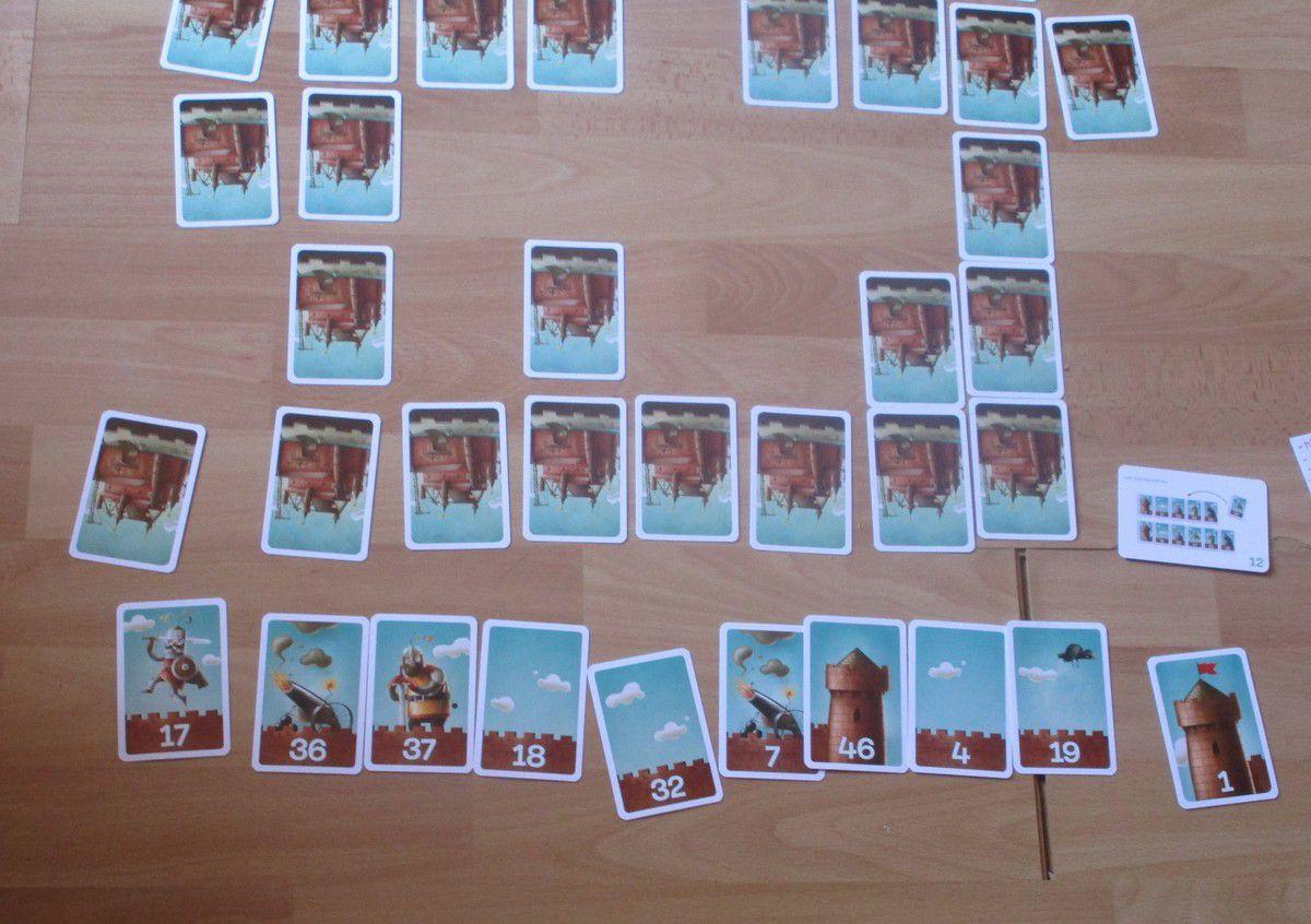 un jeu pour les + de 6 ans, on peut jouer de 2 à 4 joueurs la durée du jeu 20 min