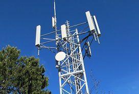 (Travaux sur des pylônes téléphoniques : Un article de la loi propose de supprimer l'information des maires 2 mois avant les travaux par une information annuelle à posteriori)