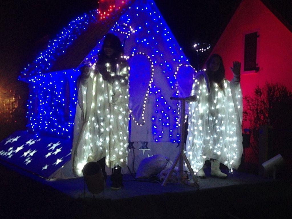 dans la parade aussi des Christkindel, des anges de noël très lumineux !