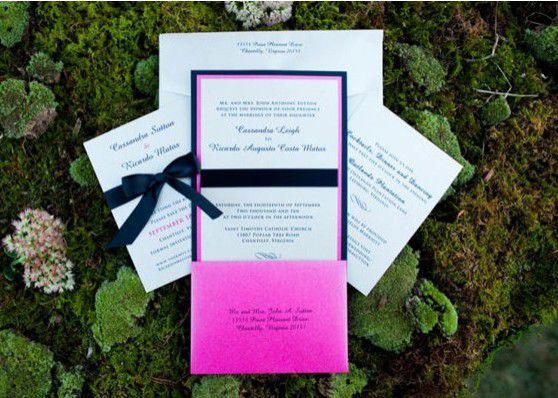 Décoration de mariage rose fushia or et marine