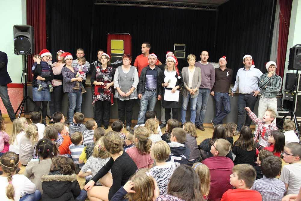 Super-Noël pour l'école «Les Lucioles» de Luceau