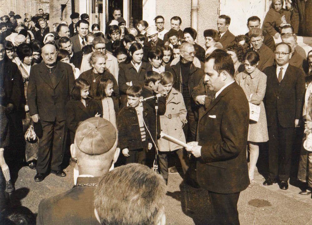 Inauguration de la rue Siméon Berneux par Joël Le Theule, député-maire (photo archives Tintin)
