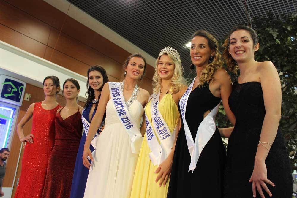 Les candidates avec Miss Pays de Loire 2015