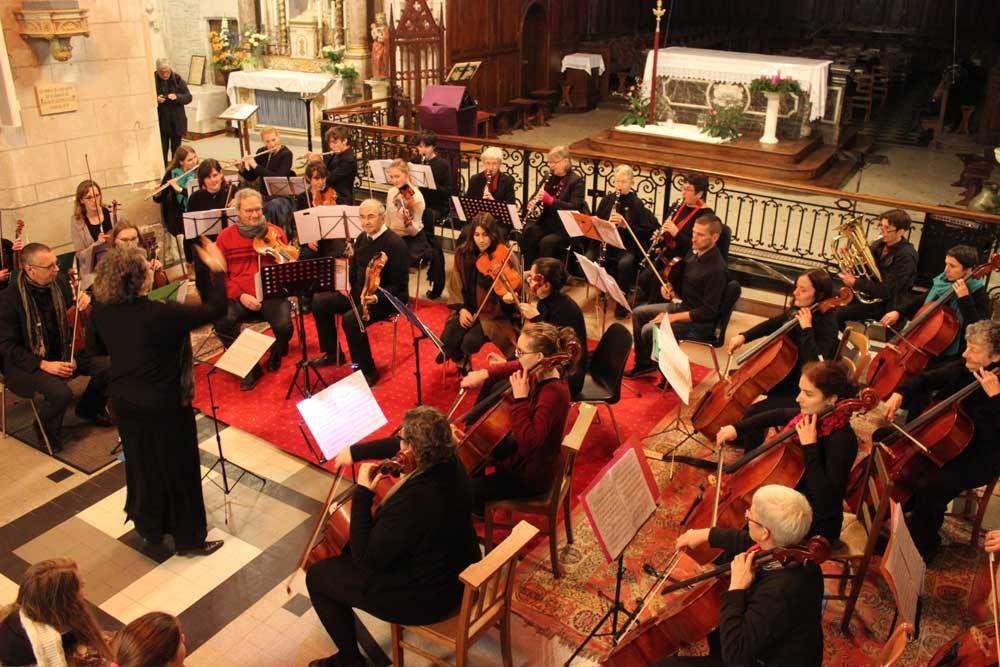 L'Orchestre symphonique de Bercé fait sensation au concert de Noël