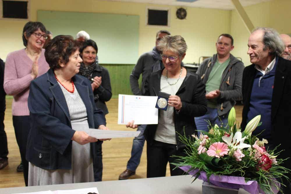 Les trois Maires honorent leur secrétaire