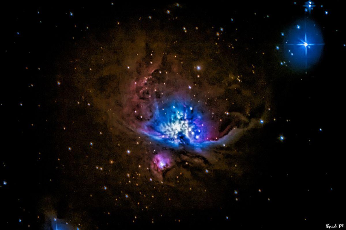 """Nébuleuse d'Orion M42 Canon EOS70D au foyer d'un télescope Skywatcher 200/1000. 49 poses de 25s à 200 iso. La 1ère traitée """"normalement"""" et la 2ème en HDR"""