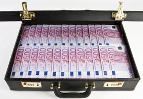 Fillon accusé de conflits d'intérêts après avoir reçu 200.000 euros d'Axa