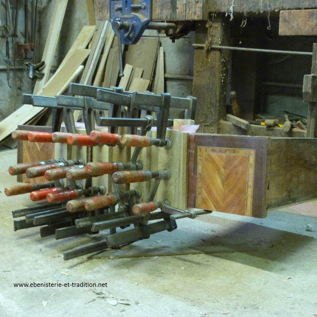 Restauration : Commode Louis XVI, deux tiroirs sans traverse
