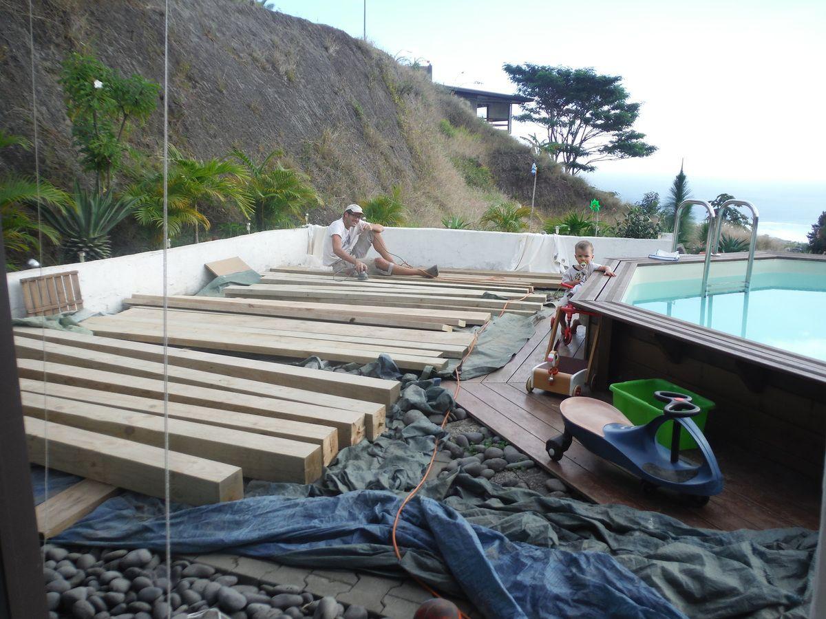 Pergola : Et voilà le chantier , 8 heures de ponçage