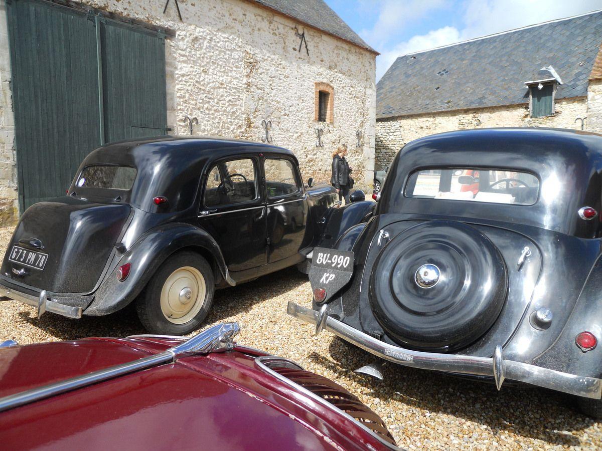 50 ANS DU FOOT A LOUBARESSE (07) Recherche automobiles françaises des années 1950-1960.