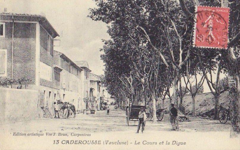 CADEROUSSE (84) et VOITURES ANCIENNES