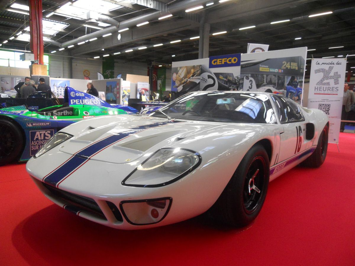 FORD GT40 version « légère »