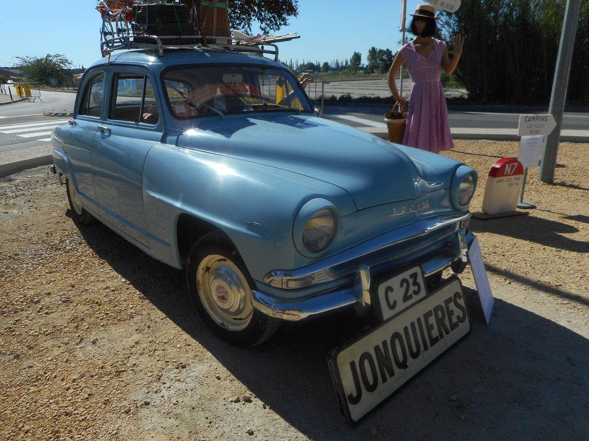 AUTOS ANCIENNES à MORNAS - AOÛT 2016