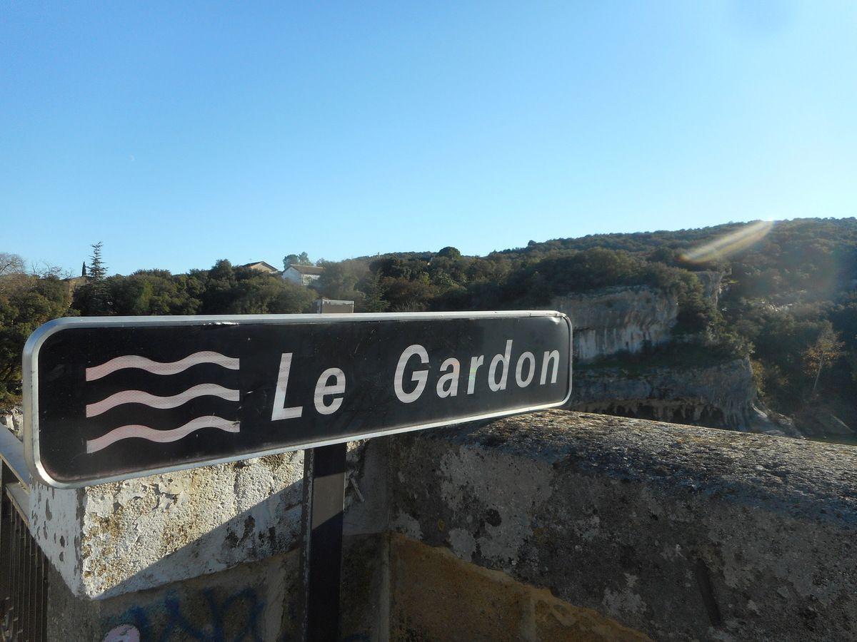 Dimanche 5 MARS 2017 LES RENDEZ-VOUS DE LA REINE seront dans les Gorges du Gardon . Ciel bleu, ciel bleu et rosée matinale !