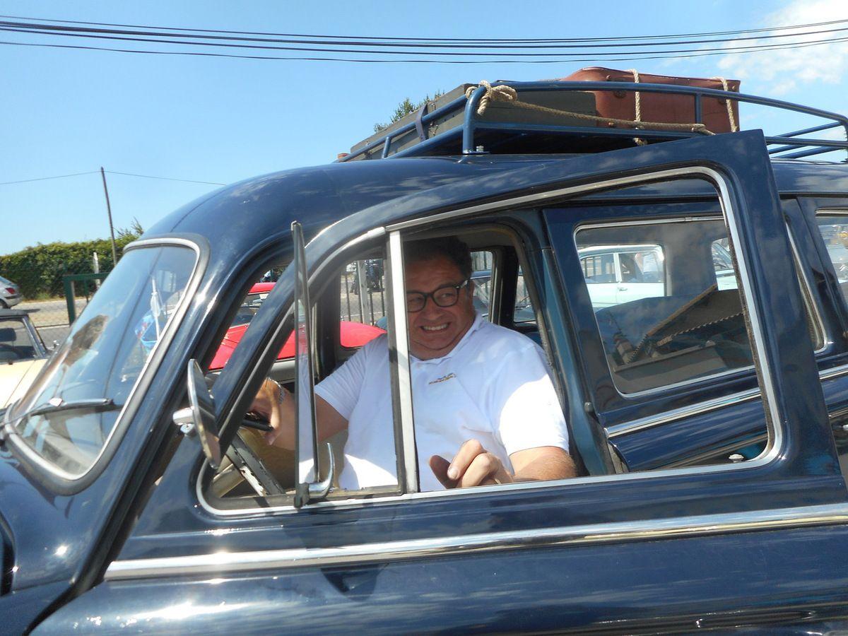 LES RENDEZ-VOUS DE LA REINE - Croisement avec « 100 autos sur la Nationale 7 »