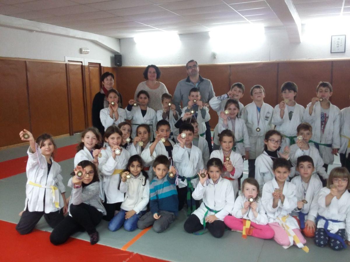"""""""Bravo à tous pour cette très bonne ambiance et la bonne participation de l ensemble des élèves judokas !!!""""   Hassene Djimili"""