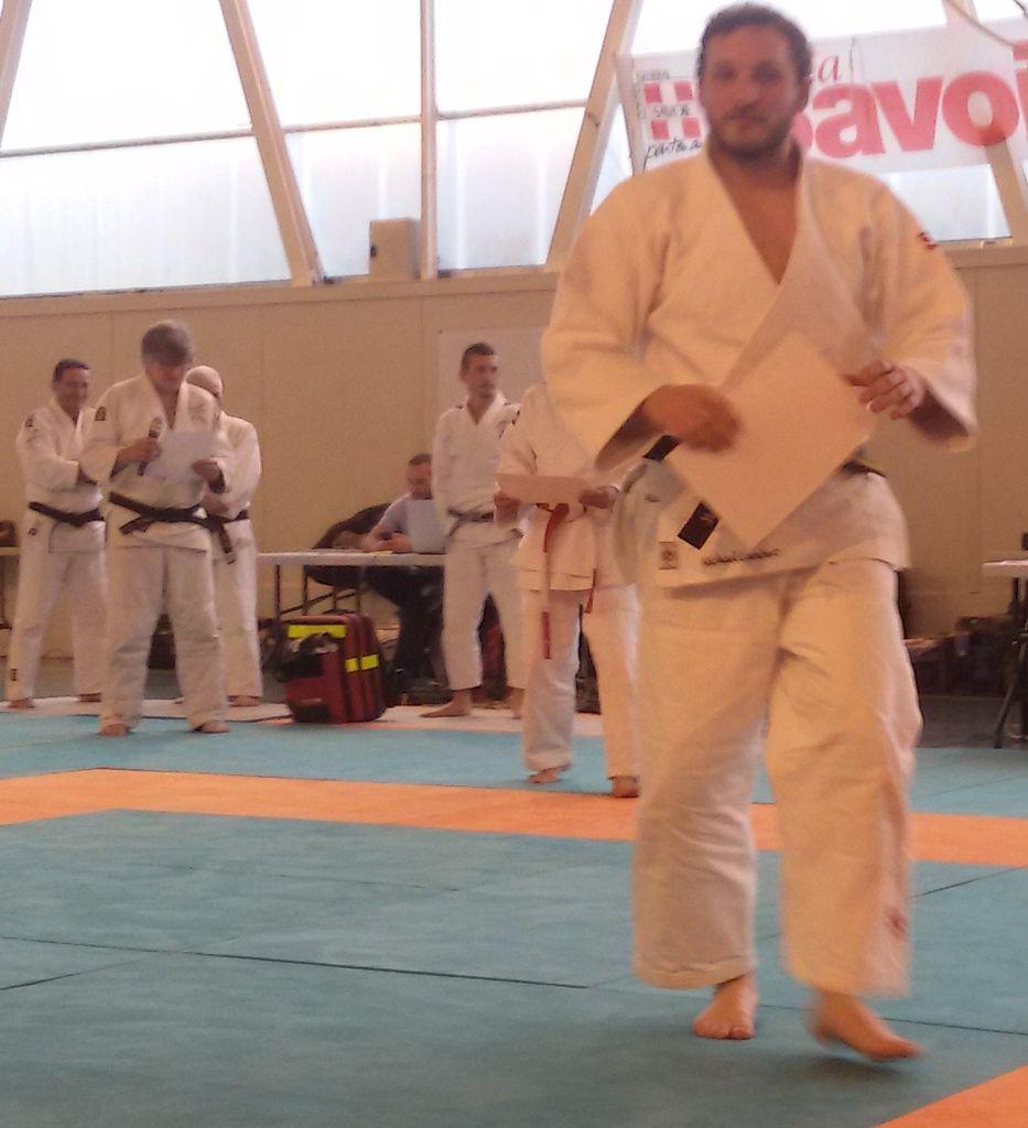 Kagami Biraki et stage d'arbitrage