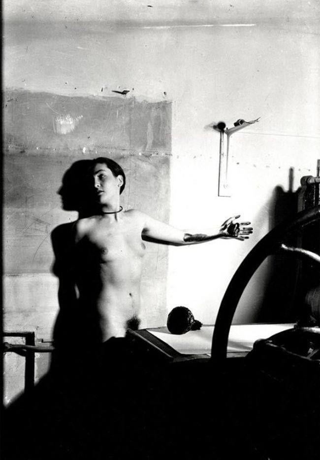 Meret Oppenheim-Erotique voilée @ Man Ray. 1933