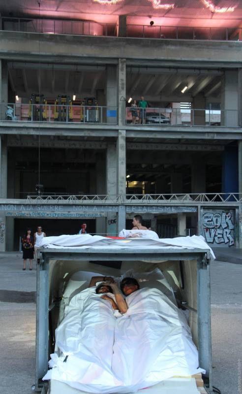 Faire l'amour avec un(e) inconnu(e) @ Rochdi Laribi. 2014. Préavis de désordre urbain. Marseille