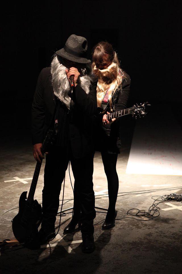 Concert Stone et Charnel @ Joël Hubaut & Léa Le Bricomte. Le générateur. Gentilly
