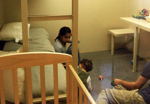 America's Family Prison @ Regina José Galindo. 2008
