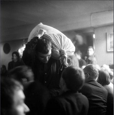 1er happening. Cricotage @ Tadeusz Kantor. 1965. Varsovie. photo. Eustache Kossakowski