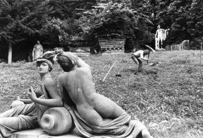 Pomiedzy Apollem a Muszami @ Zbigniew Warpechowski. 1986. Lapidarium. Stuttgart