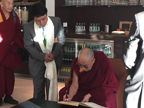 His Holiness the Dalai Lama is just arrived in Brussels &amp&#x3B; direct live on 9, 10 &amp&#x3B; 11 september