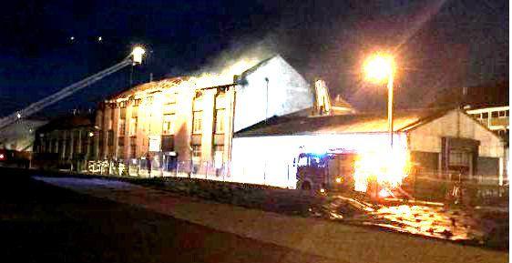 Gros feu à Merville - usine Atlantic, ancienne Franco Belge-28/02/2015
