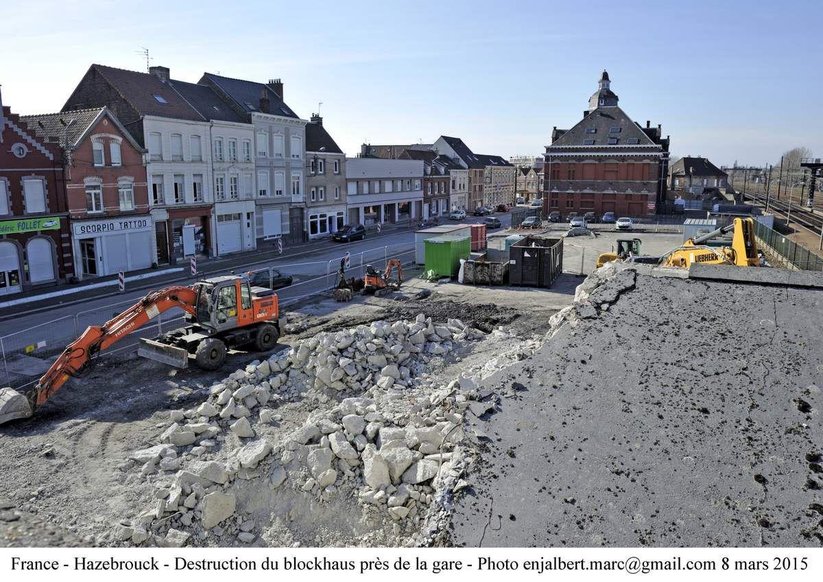 Démolition du blockaus de la passerelle d'Hazebrouck - photos Marc Enjalbert