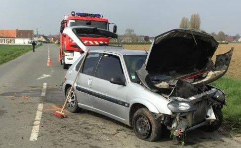 Accident de la route à Vieux Berquin - 23 avril 2015-