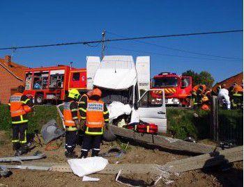 Deux blessés graves et 1 500 foyers privés d'électricité, hier après-midi, 12 octobre 2015 à Blaringhem