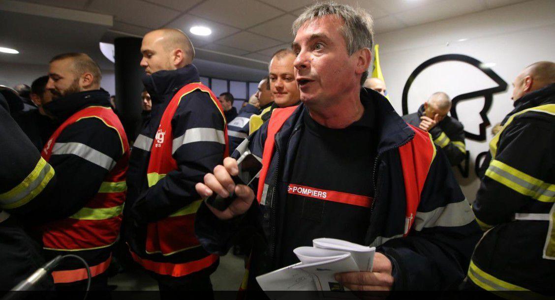Manifestation des pompiers du Nord à Lille