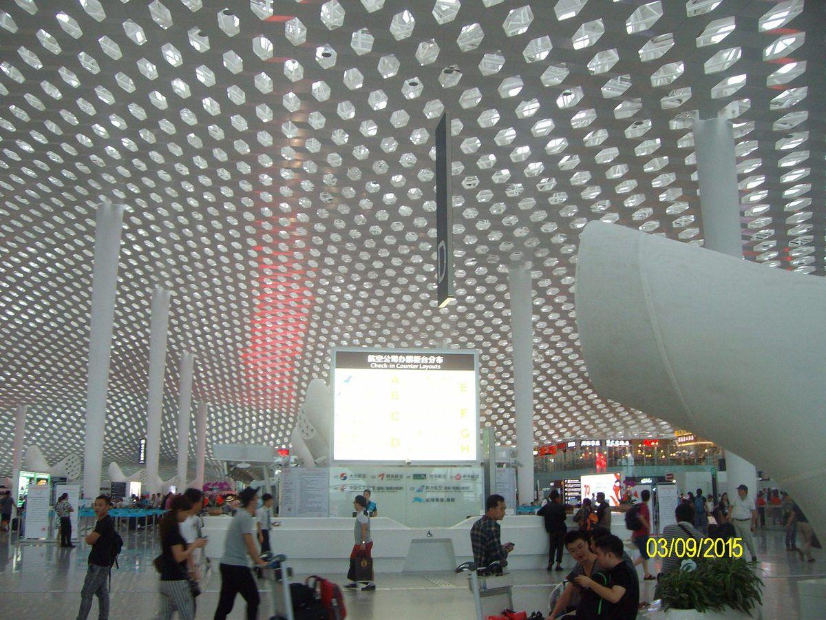 Terminal 3 del'Aéroport de Shenzhen Fuksas, avec lui, on n'entre pas dans un aéroport, on rentre dans le ciel...