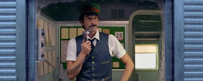 Vidéo : c'est déjà Noël pour Wes Anderson dans cette pub avec Adrian Brody