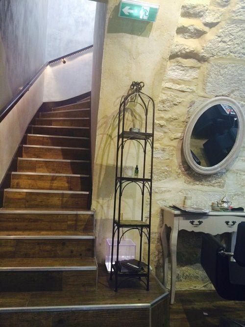 L'endroit est agréable, décoré avec soin dans les moindres détails...