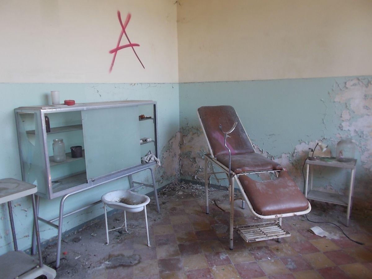 Teatro nei luoghi abbandonati all'incantevole Colonia Luraschi