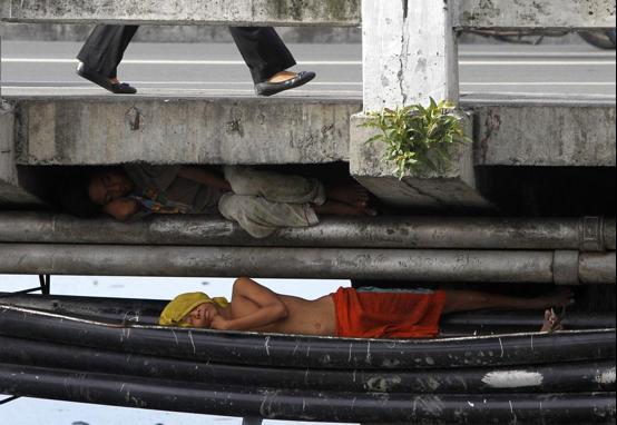 Dormir sous les ponts