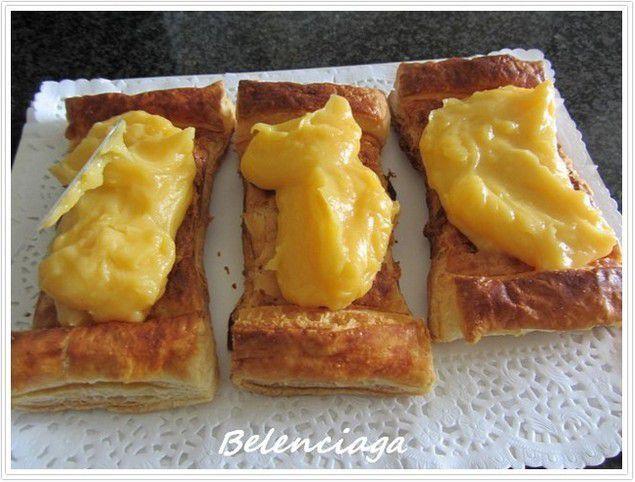 pasteles de crema y manzana