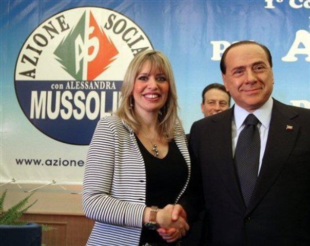 Alessandra Mussolini (petite fille du Duce, Benito Mussolini) et Silvio Berlusconi