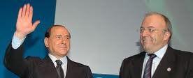 "Silvio Berlusconi et Francesco Storace (fondateur du parti ""La Droite"" et ancien chauffeur de Giorgio Almirante)"