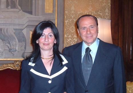Maria Antonietta Cannizzaro (MSI - Droite Nationale) et Silvio Berlusconi