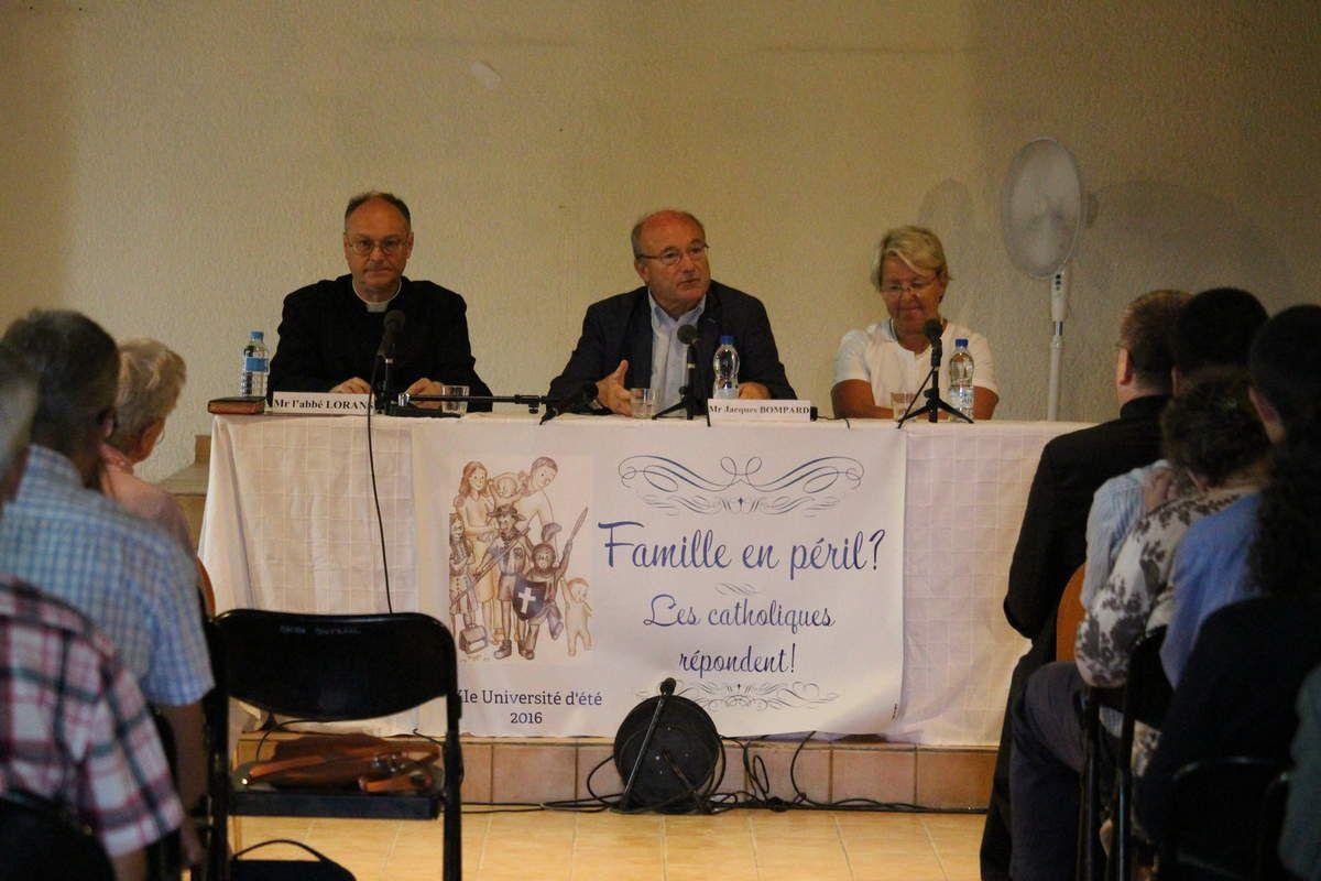 l'abbé Lorans (FSSPX), Jacques Bompard et Marie-Claude Bompard