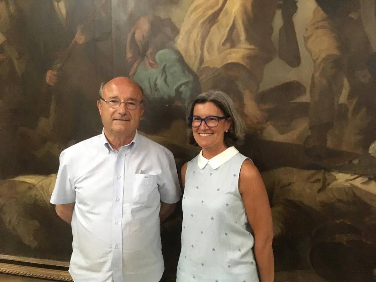 le maire Jacques Bompard (Ligue du Sud, ancien MPF) et la députée Marie-France LORHO (Ligue du Sud)