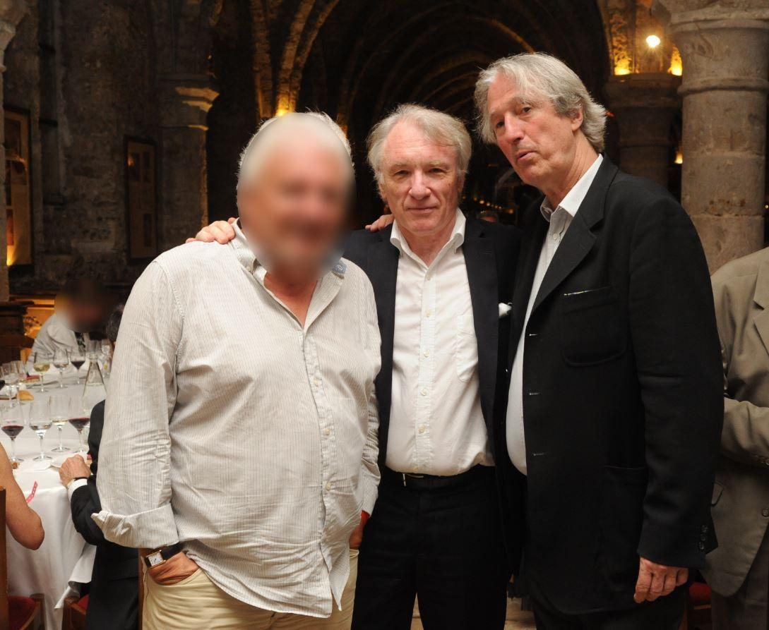 De droite à gauche, le Grand Maître Provincial, Yves Pen., l'Assistant Grand Maître Provincial, Patrick Aubart, et le R.F. Pierre Cou. (Photo: Tous droits réservés).