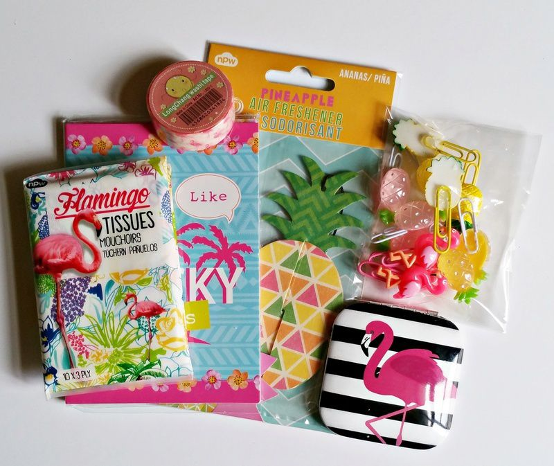Pineapples &amp&#x3B; Flamingos Pocket Letter