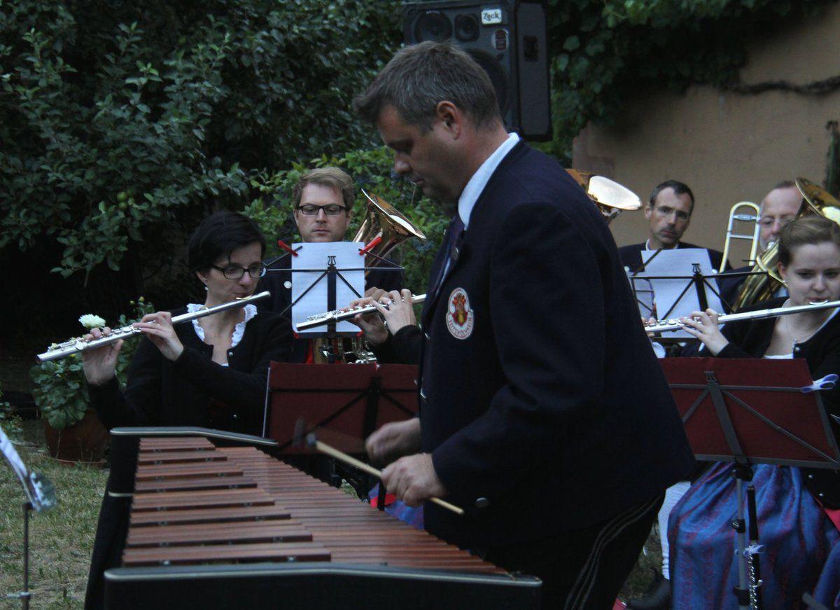 Musikverein verzauberte seine große Anhängerschar beim Serenadenkonzert im Pfarrhof