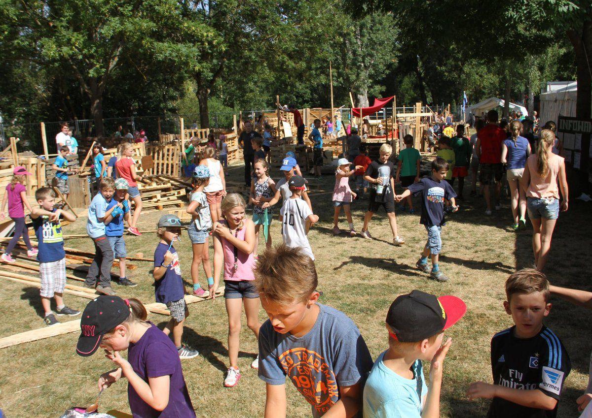 200 Kinder erleben auf dem Veitshöchheimer Asia-Abenteuerspielplatz zwei höchst attraktive Ferienwochen und internationales Flair